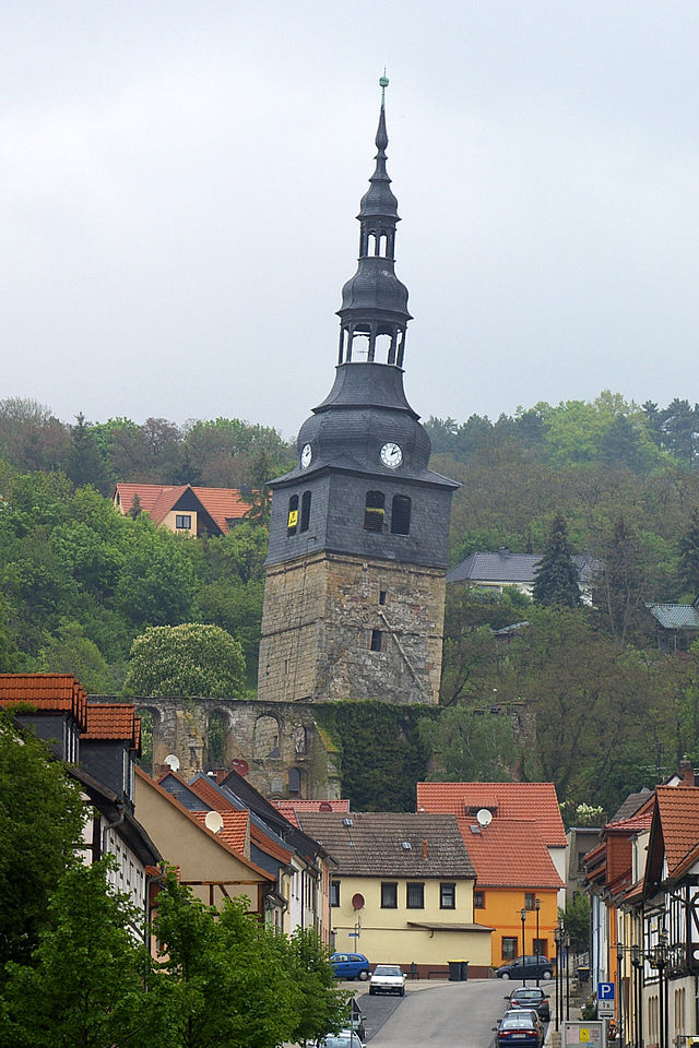The-14th-century-bell-tower-of-the-Church-of-Our-Dear-Lady-in-Bad-Frankenhausen- Spoznajte čaro tancujúcich domov!
